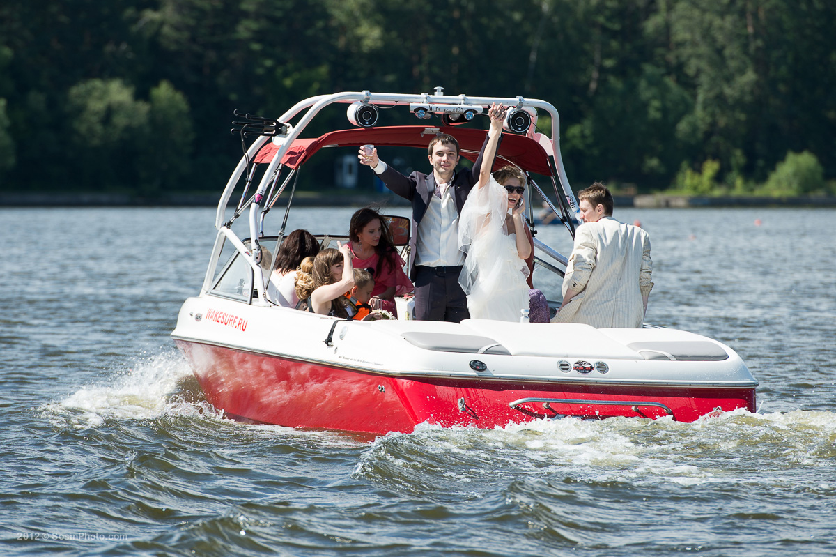 0008 Moscow wedding on boats