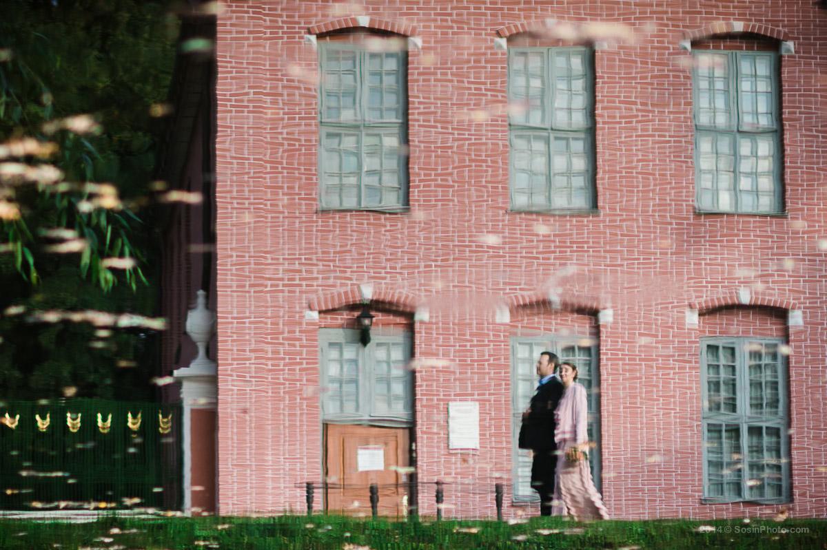 Жених и невеста отражение