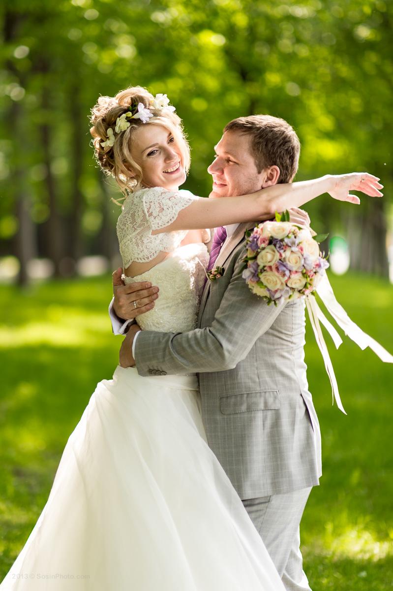 Жених и невеста сквер МГУ