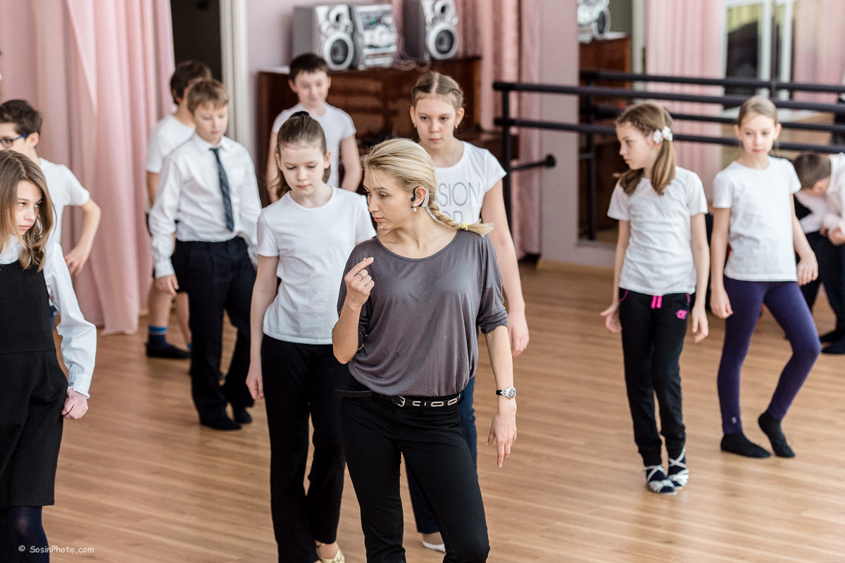 0032 school choreography class