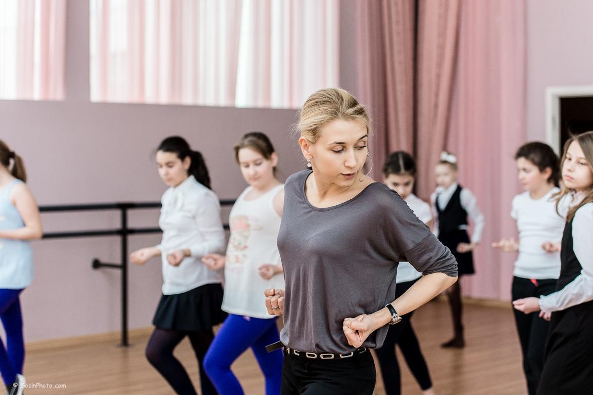0037 school choreography class