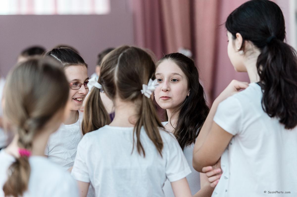 0022 school choreography class