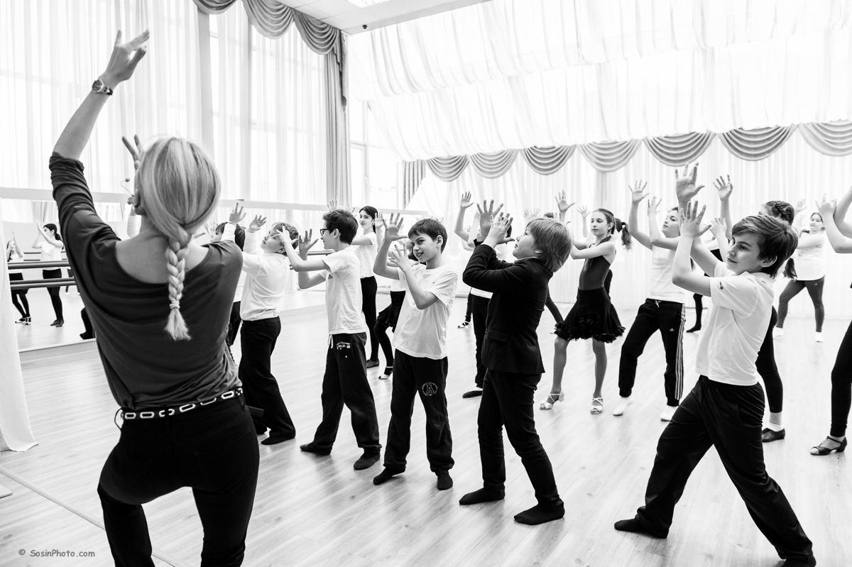 0042 school choreography class