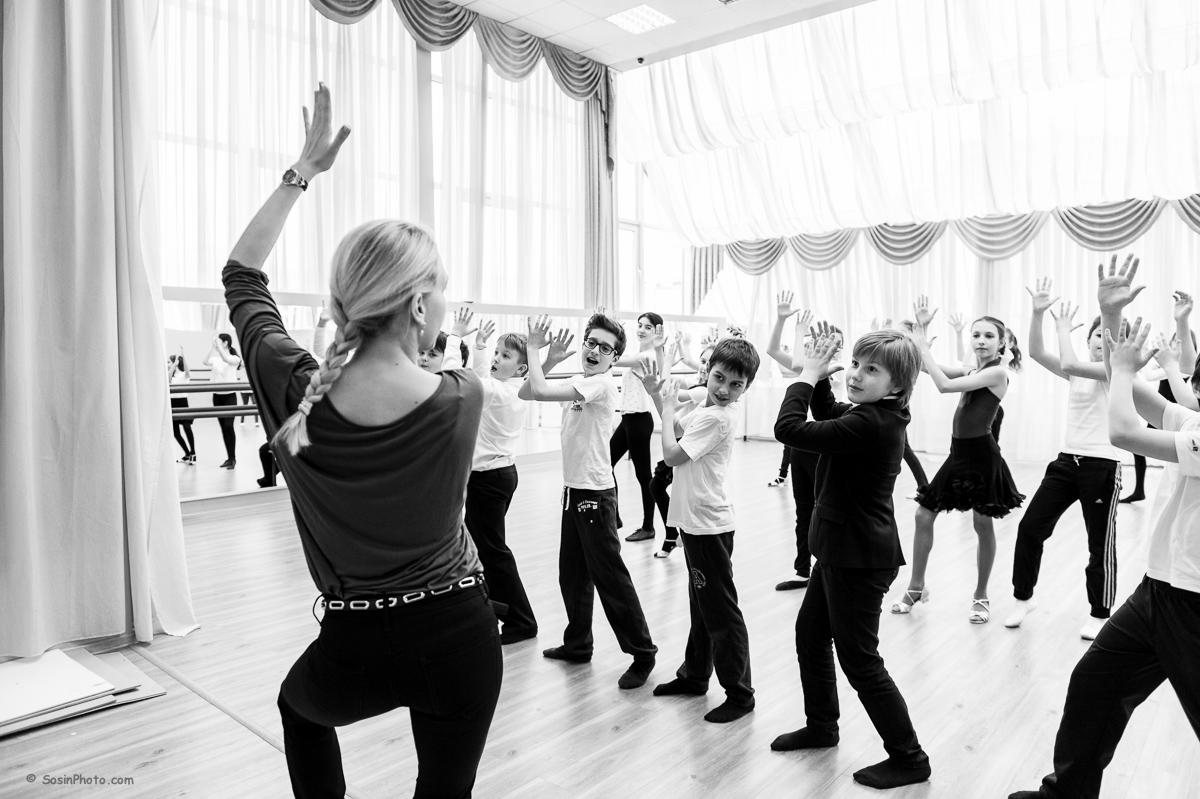0043 school choreography class